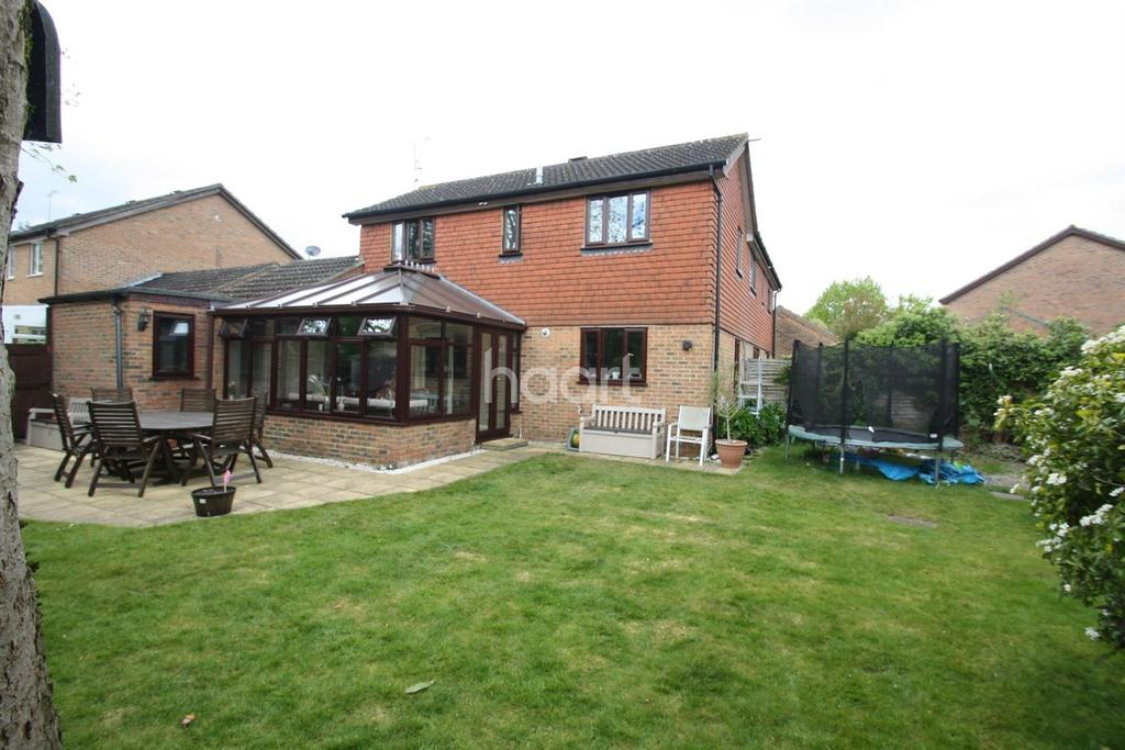 3 Bedrooms Semi Detached House for sale in The Pathfinders