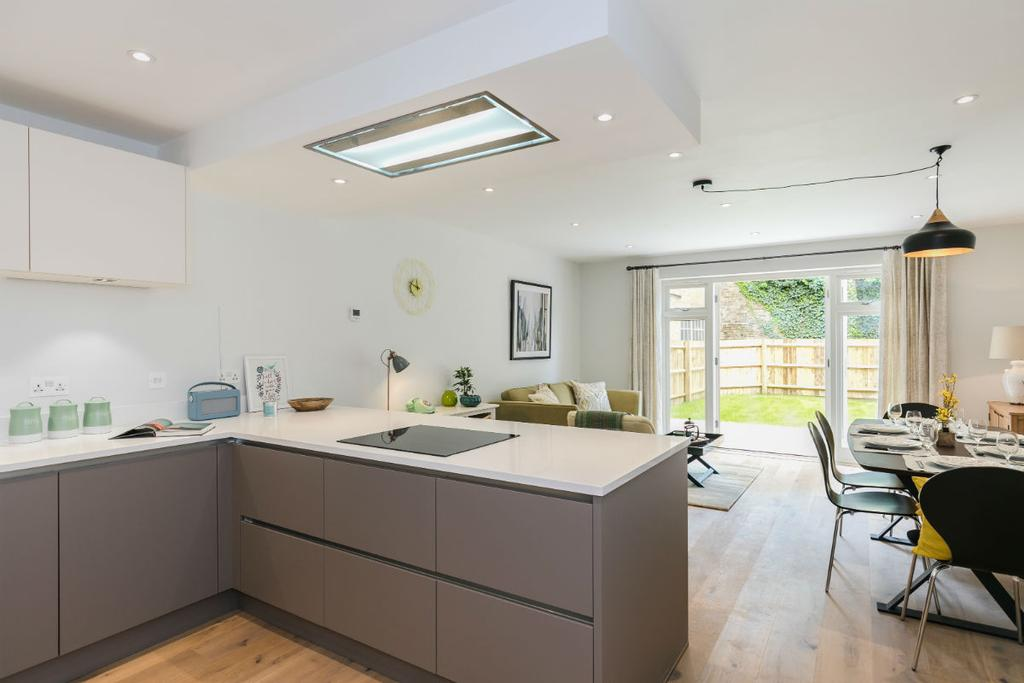 4 Bedrooms Town House for sale in Salisbury SP1