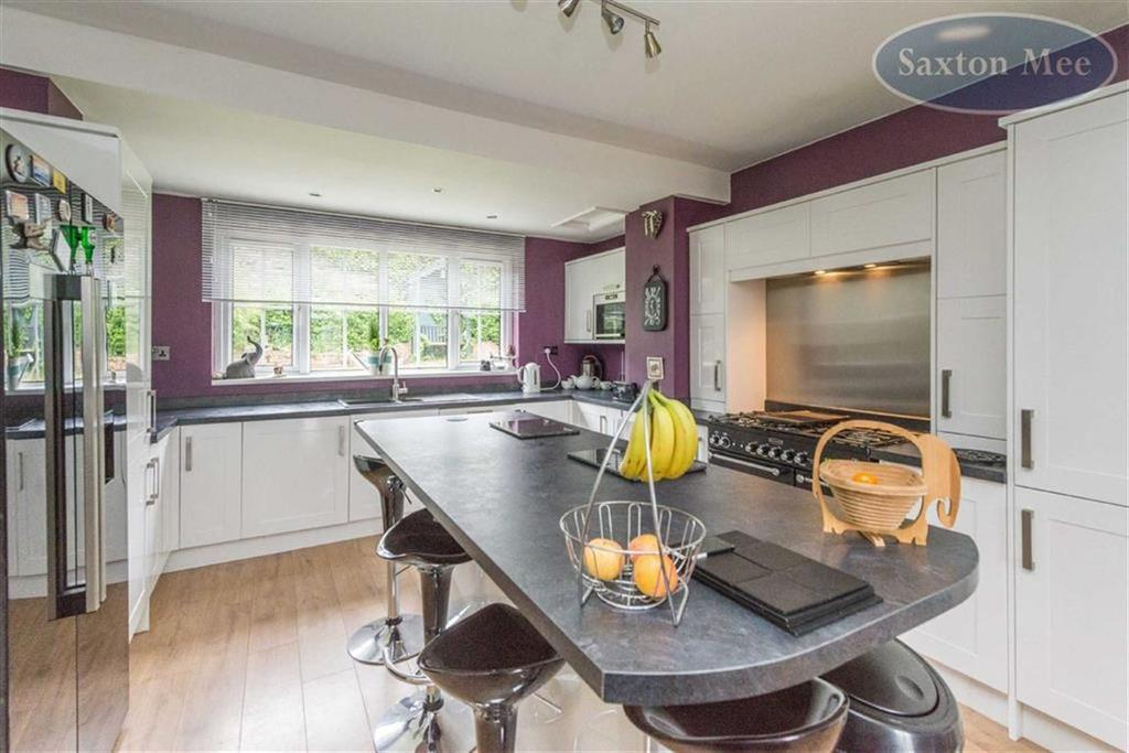 4 Bedrooms Detached House for sale in Aubrey House, Stocksbridge, Sheffield, S36