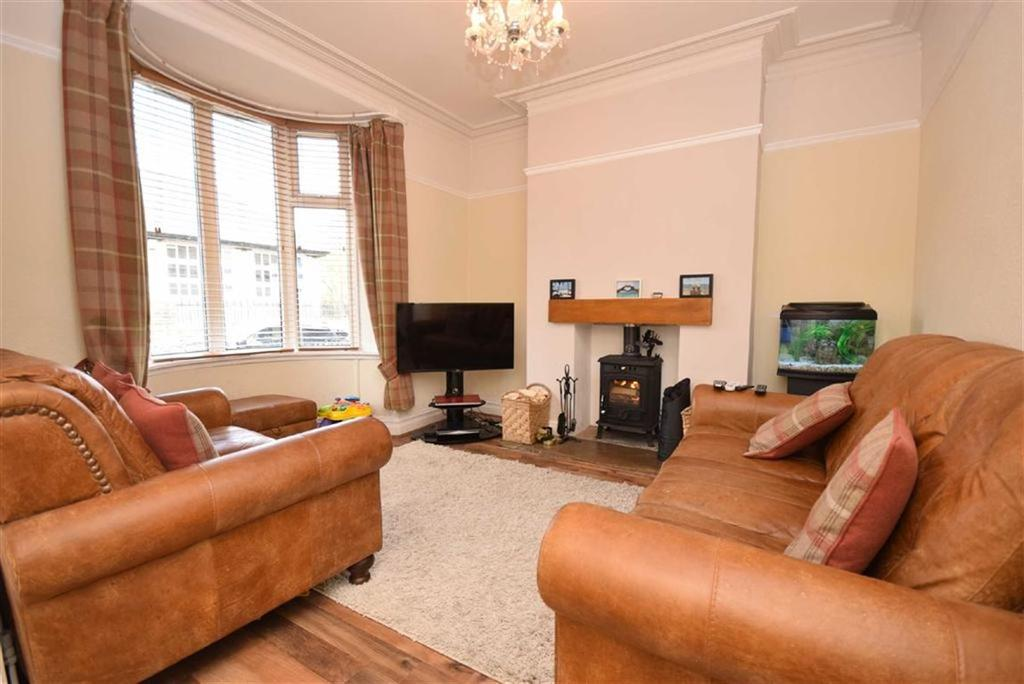 3 Bedrooms Terraced House for sale in Rushton Street, Barrowford, Lancashire