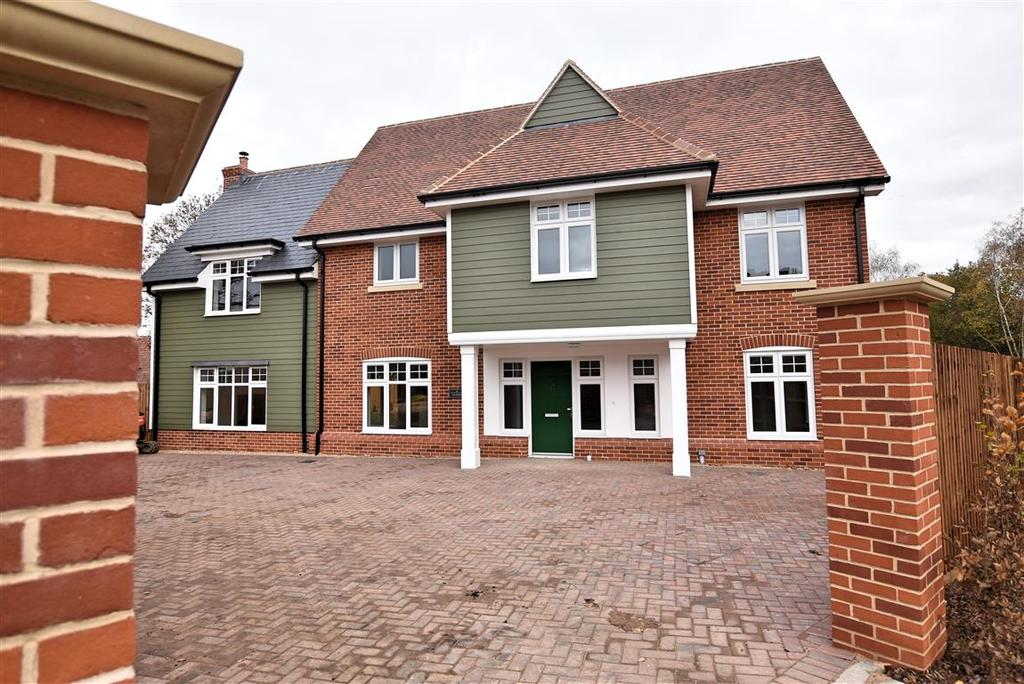 4 Bedrooms Detached House for sale in Plot 14, The Brackens, Great Burches Road, Thundersley