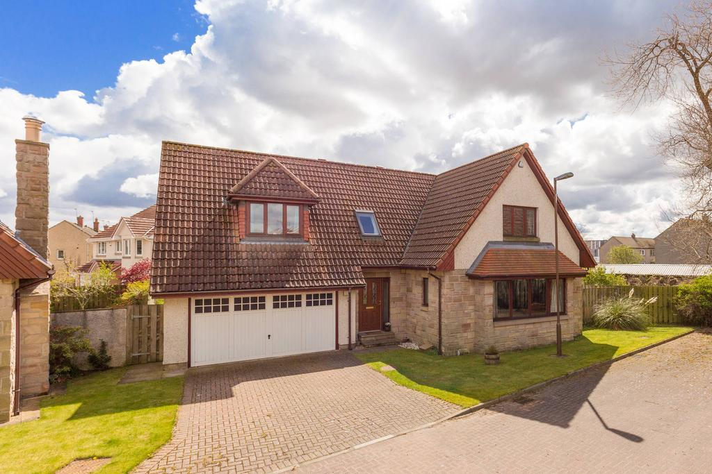 4 Bedrooms Detached House for sale in 4 Seafield Crescent, Roslin, EH25 9TD