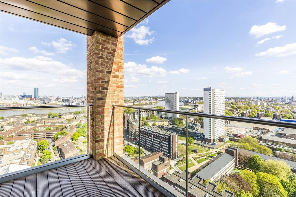 2 Bedrooms Flat for sale in Malmo Tower, Bailey Street, London