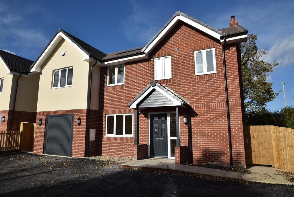 5 Bedrooms Detached House for sale in Wattlesborough House, Halfway House SY5 9DD