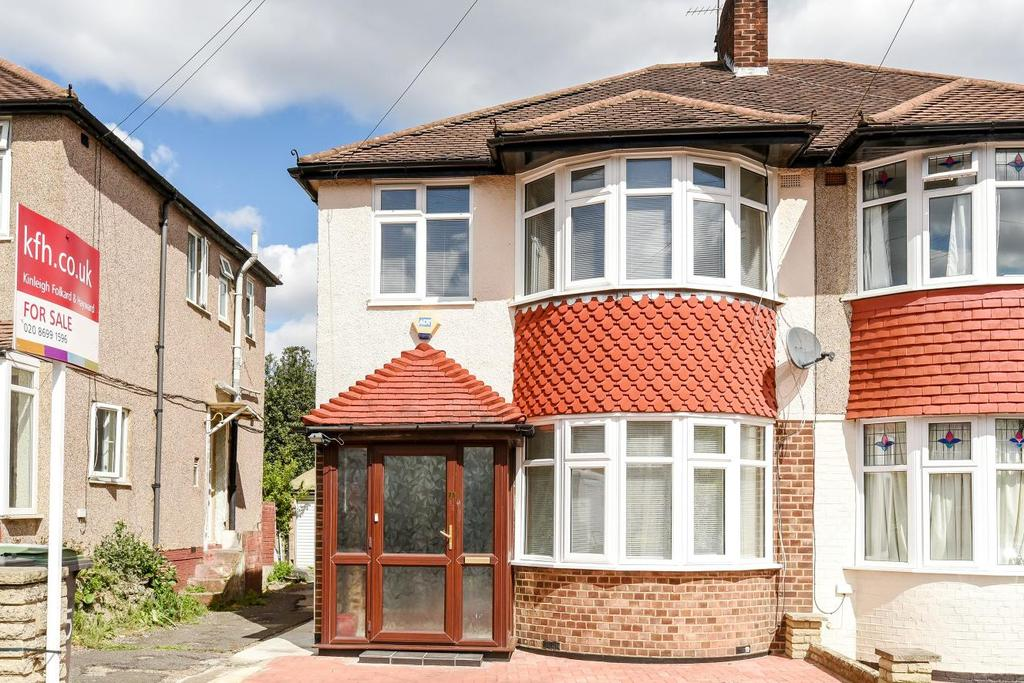 3 Bedrooms Terraced House for sale in Winsford Road, Catford, SE6