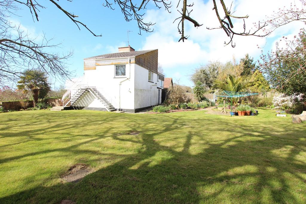 3 Bedrooms Detached House for sale in Le Feuguerel, St Lawrence, Jersey, JE3