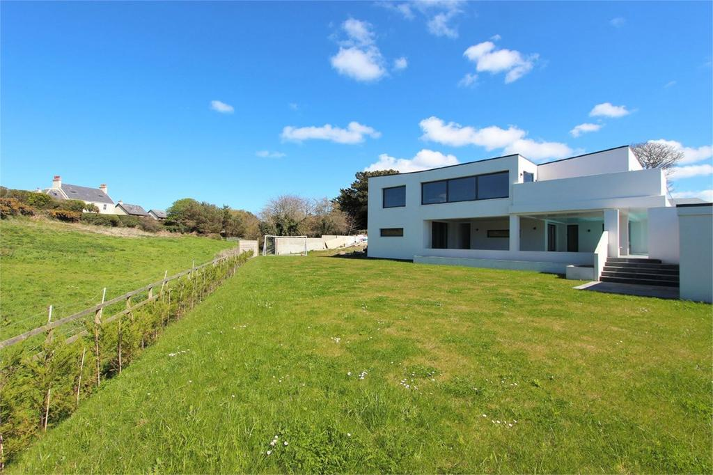 5 Bedrooms Detached House for sale in Les Ruettes, St Ouen, Jersey, JE2