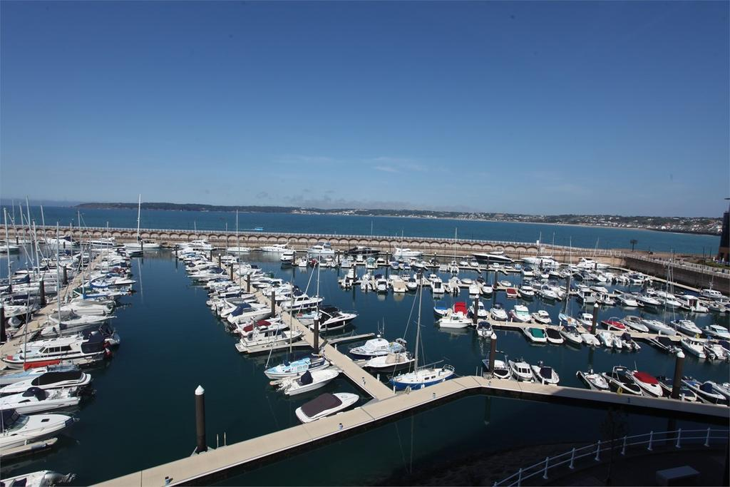 2 Bedrooms Apartment Flat for sale in La Rue de L'Etau, St Helier, Jersey, JE2