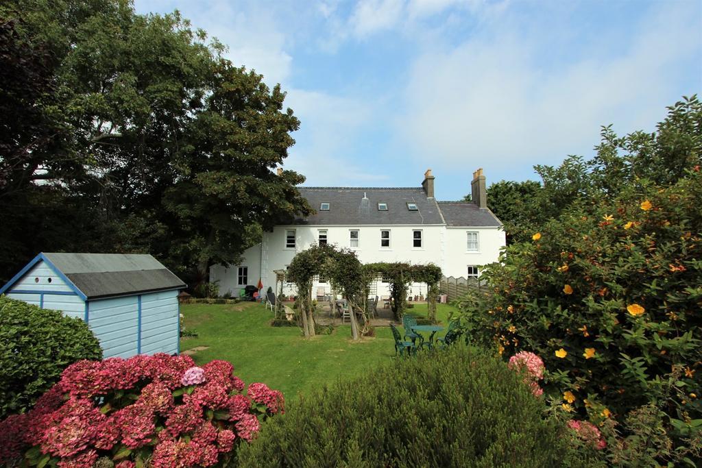 7 Bedrooms Detached House for sale in La Rue Des Chataigniers, St John, Jersey, JE3