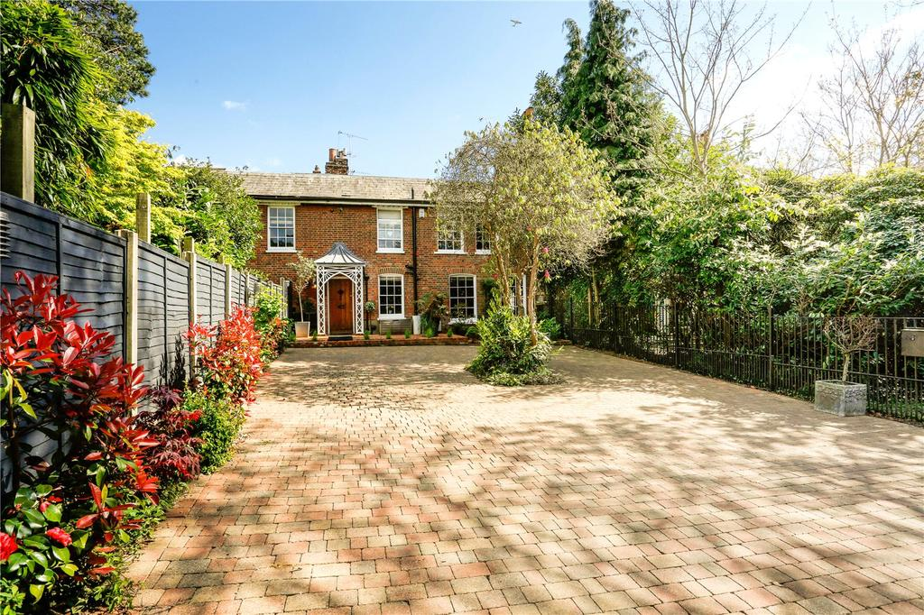 4 Bedrooms Unique Property for sale in Palmers Hill, Epping, Essex, CM16