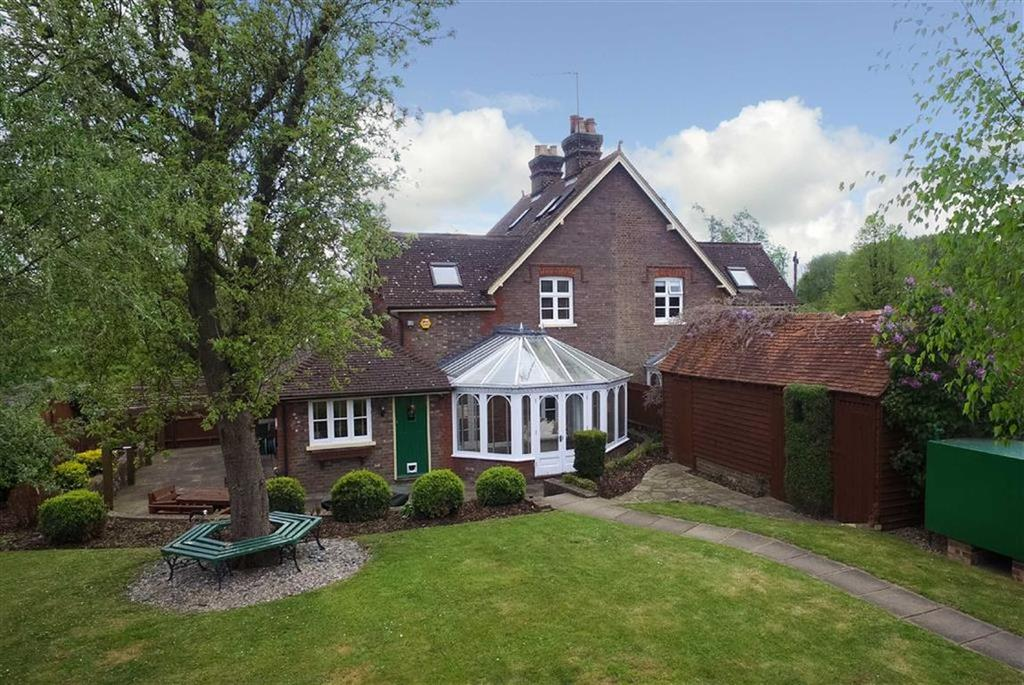 4 Bedrooms Semi Detached House for sale in Shafford Cottages, St Albans, Hertfordshire