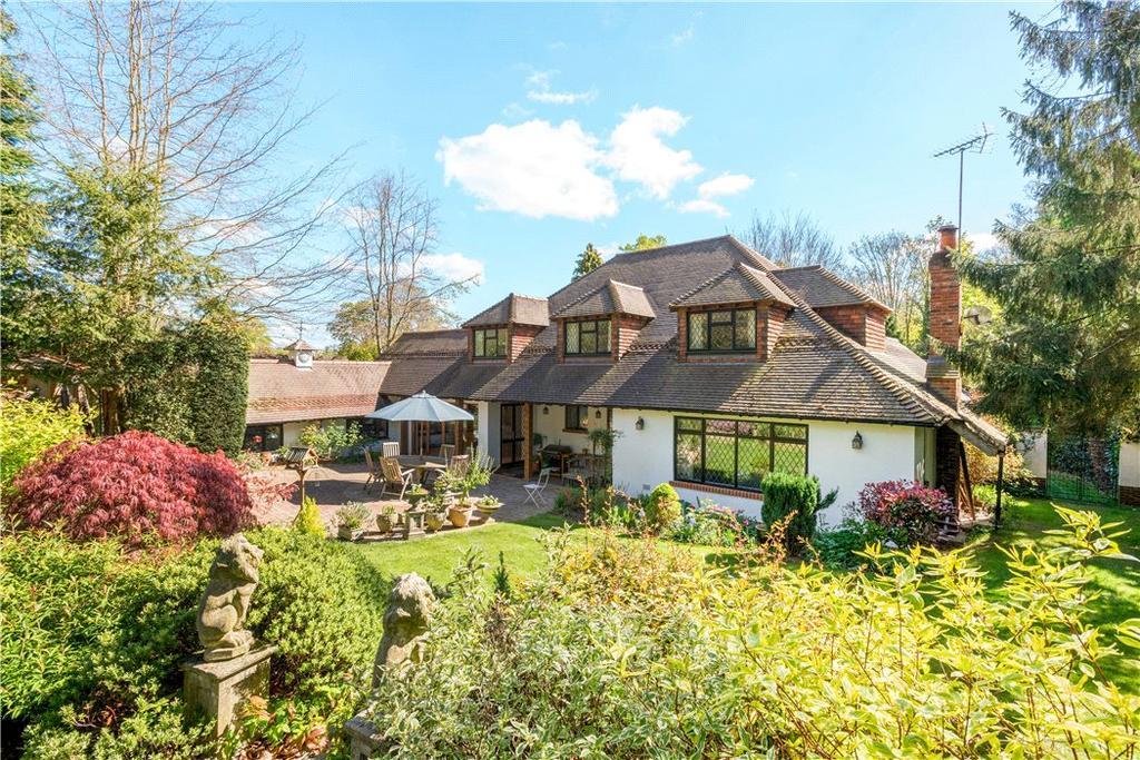 5 Bedrooms Detached House for sale in Green Dene, East Horsley, Leatherhead, Surrey, KT24