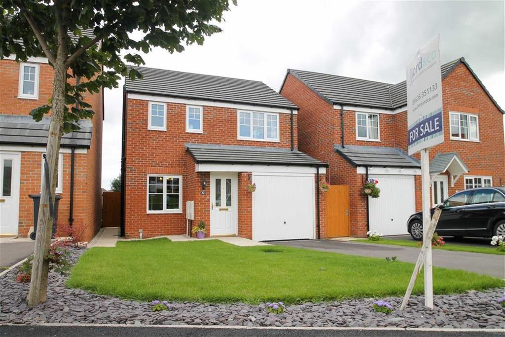 3 Bedrooms Detached House for sale in Rosemary Crescent