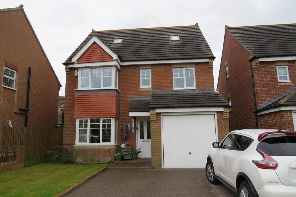 5 Bedrooms Detached House for sale in Rothbury Drive, Ashington