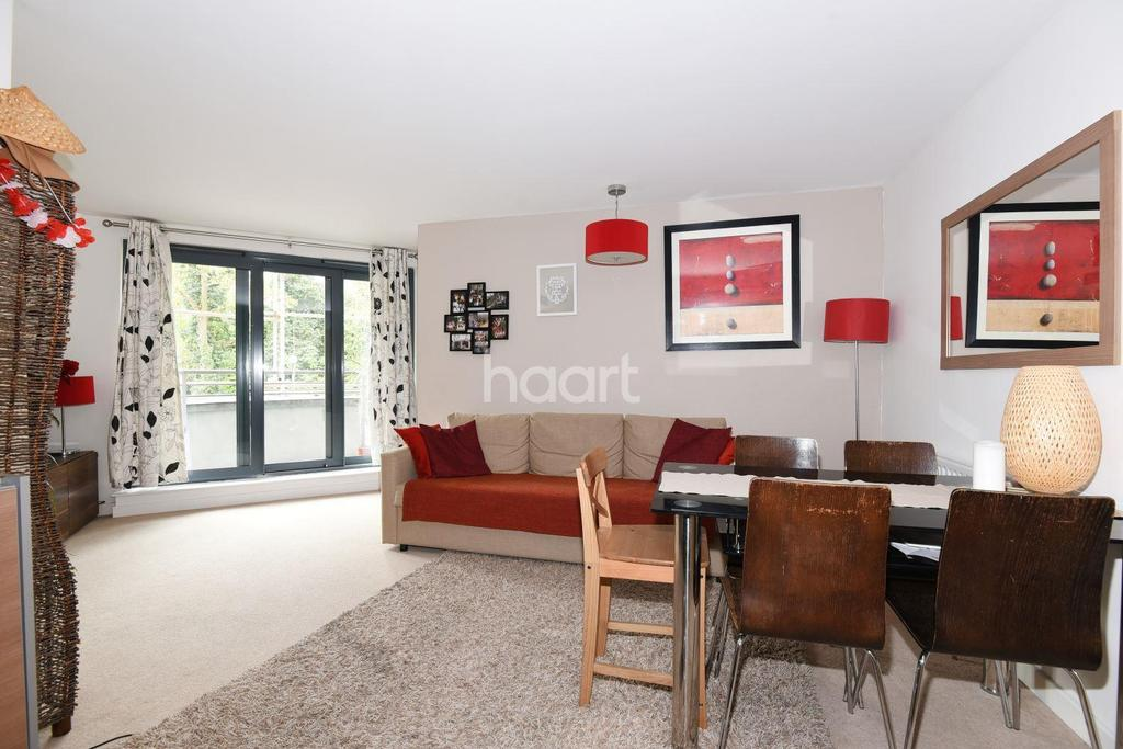 2 Bedrooms Flat for sale in Crown Dale, West Norwood, SE19