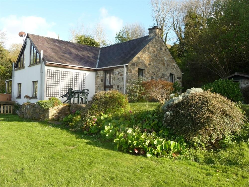 3 Bedrooms Cottage House for sale in Nantyblodau Newydd A, Newport, Pembrokeshire