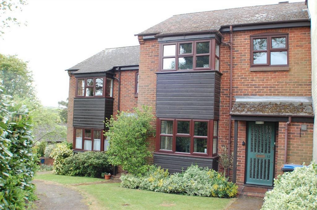 2 Bedrooms Terraced House for sale in Parkside, WELWYN, Hertfordshire