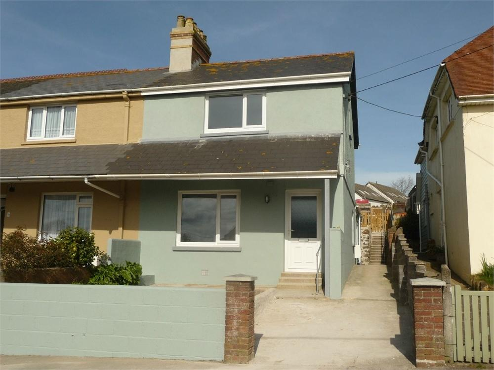 3 Bedrooms End Of Terrace House for sale in 11 Harbour Village, Goodwick, Pembrokeshire