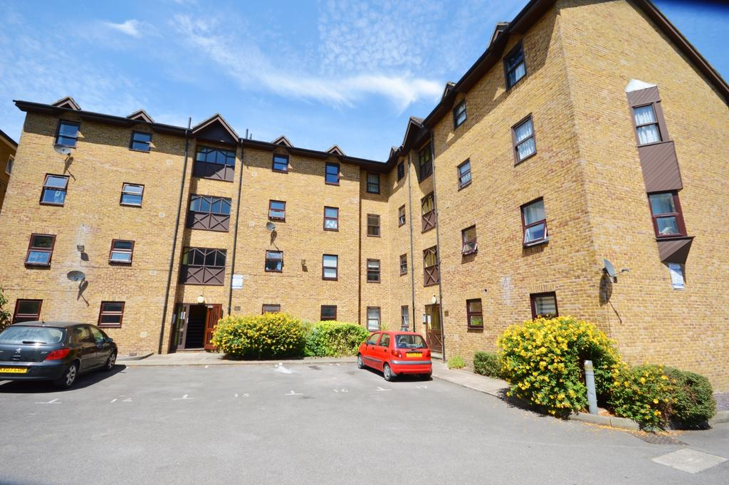 2 Bedrooms Flat for sale in Endwell Road Brockley SE4
