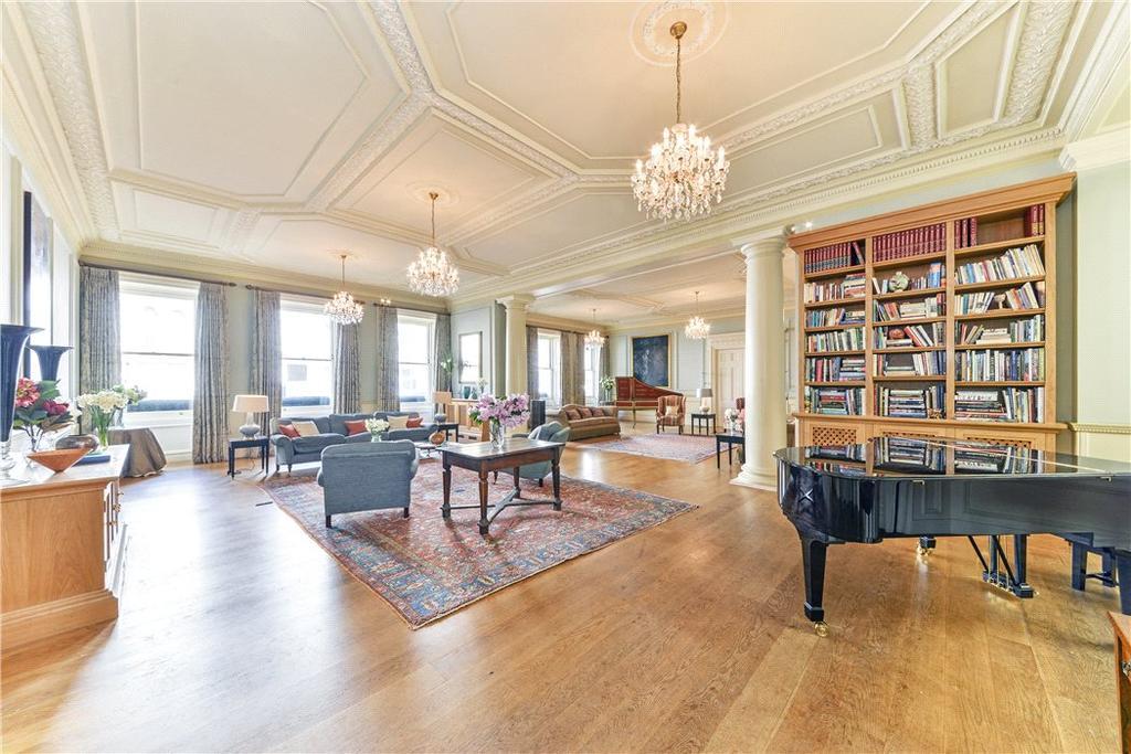 4 Bedrooms Flat for sale in Queen's Gate Terrace, South Kensington, London, SW7
