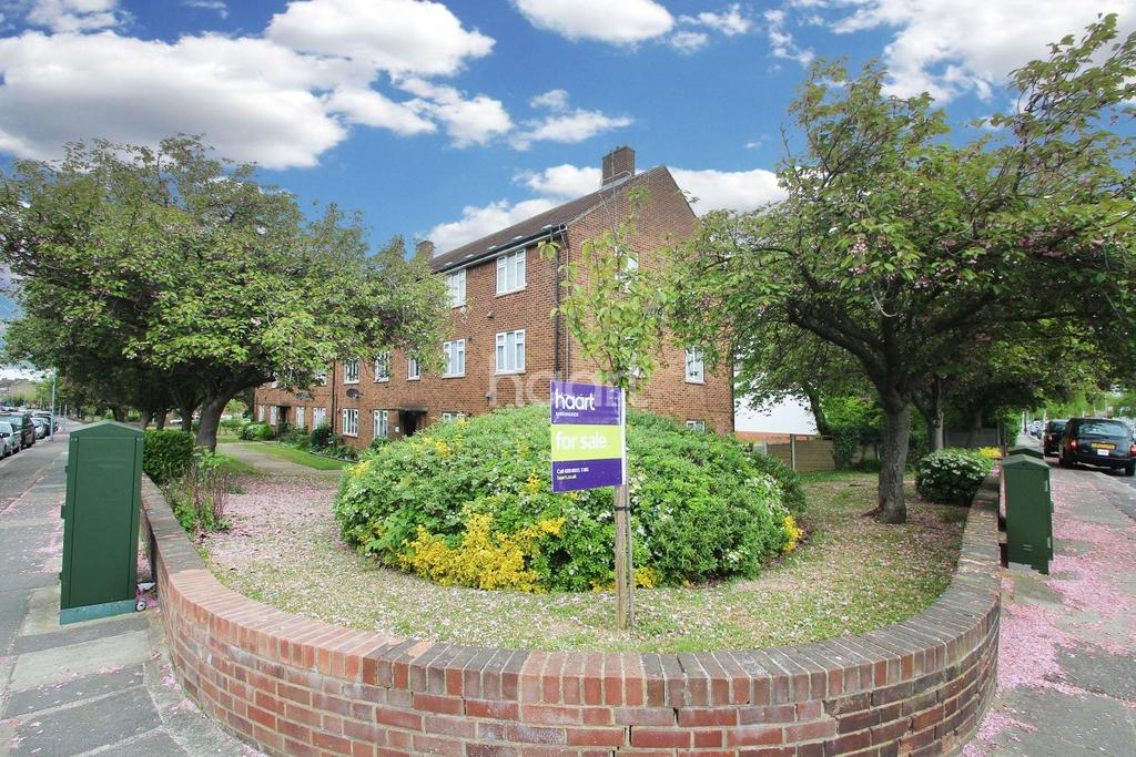 2 Bedrooms Flat for sale in Avenue Court, Claybury Broadway