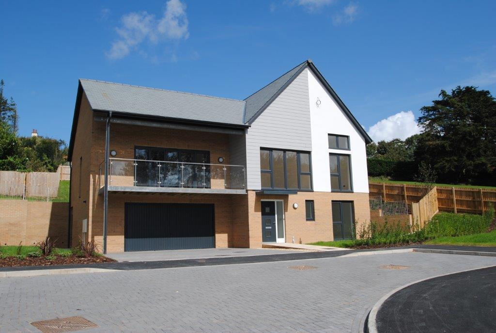 4 Bedrooms Detached House for sale in Clevelands Park, Northam