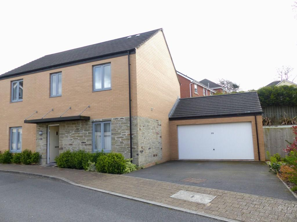 4 Bedrooms Detached House for sale in Orleigh Cross, Newton Abbot