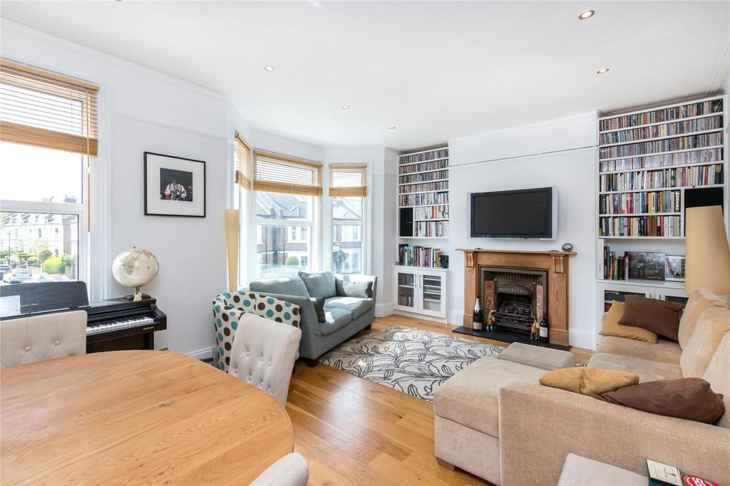 2 Bedrooms Flat for sale in Wolseley Gardens, Chiswick, London