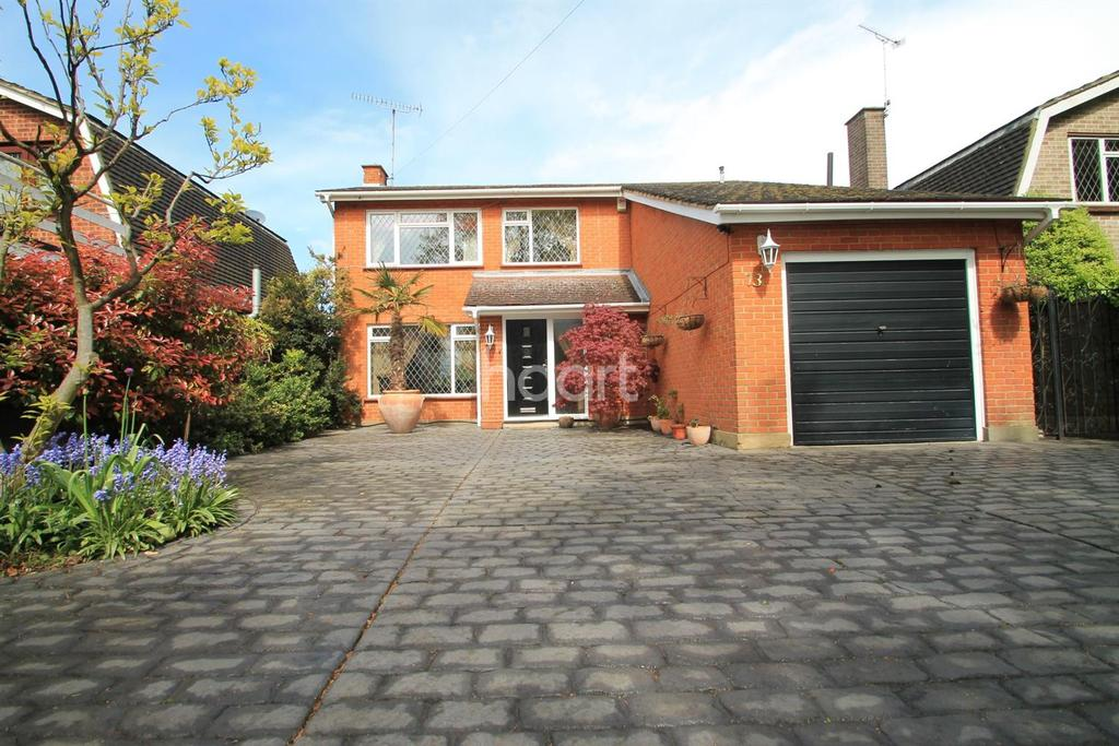 4 Bedrooms Detached House for sale in Green Lane, Leigh-On-Sea