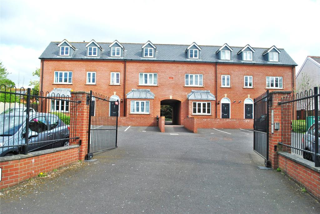 2 Bedrooms Apartment Flat for sale in Monmouth Court, Bindon Road, Taunton, Somerset, TA2