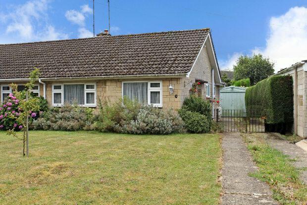 2 Bedrooms Semi Detached Bungalow for sale in Swan Close, Moreton-in-marsh