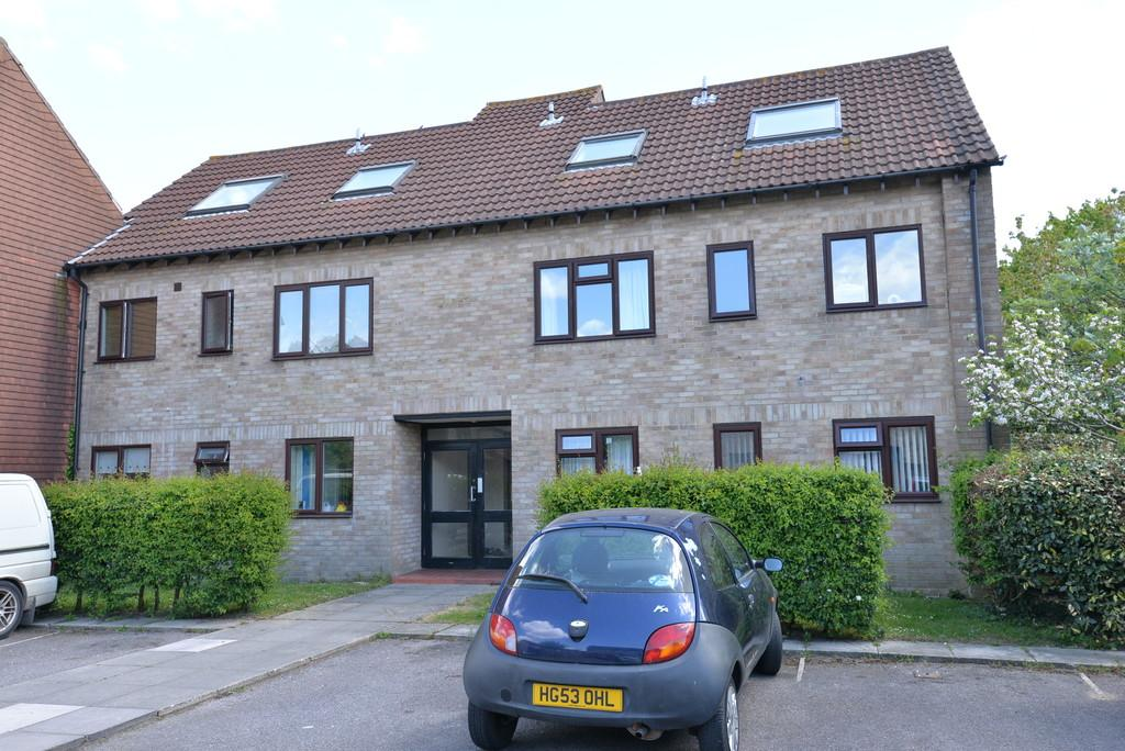 2 Bedrooms Ground Flat for sale in Eastlands, New Milton