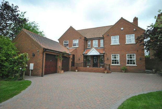 4 Bedrooms Detached House for sale in Old Main Road, Barnoldby-Le-Beck, GRIMSBY