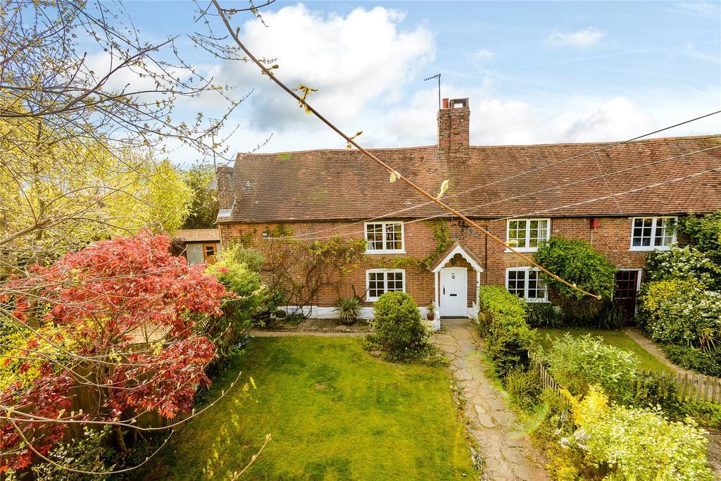 3 Bedrooms Semi Detached House for sale in Rusper Road, Horsham, West Sussex