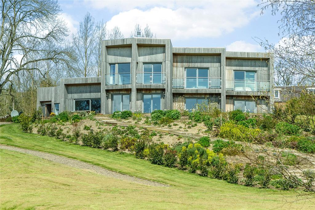 4 Bedrooms Detached House for sale in Roberton, Hawick, Roxburghshire