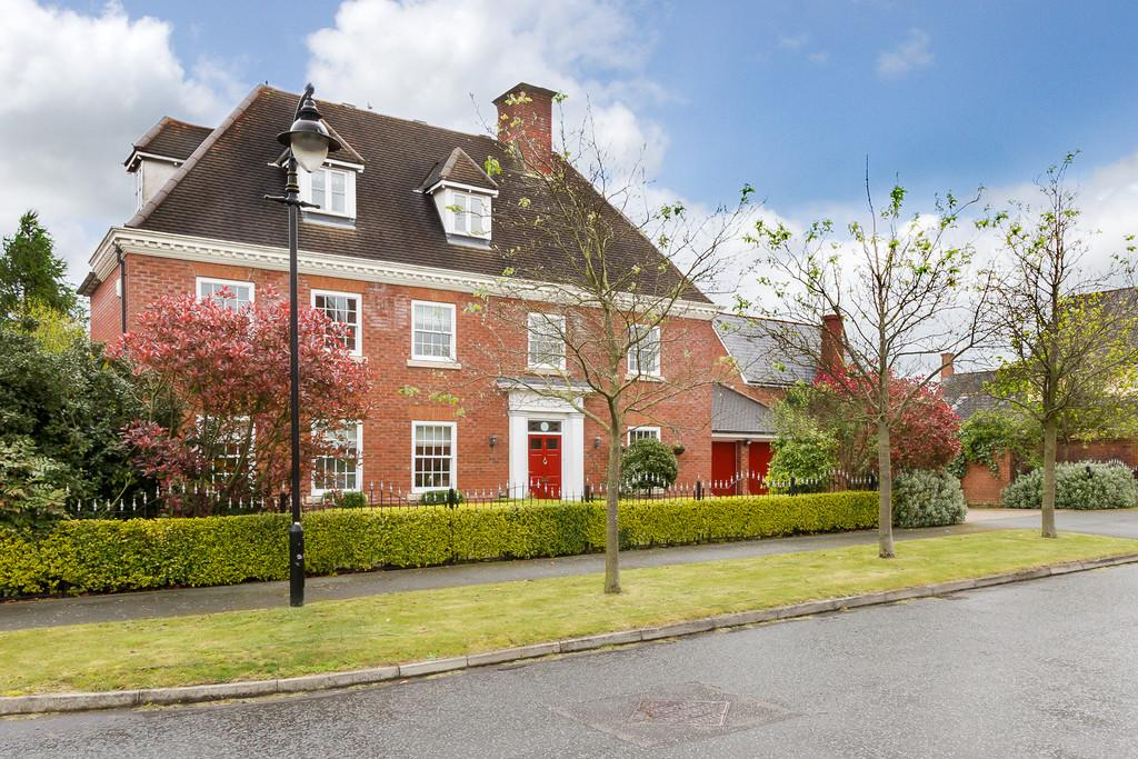5 Bedrooms Detached House for sale in Weston, Cheshire