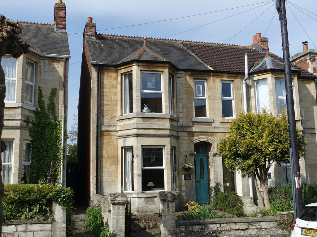 3 Bedrooms Semi Detached House for sale in Trowbridge, Wiltshire