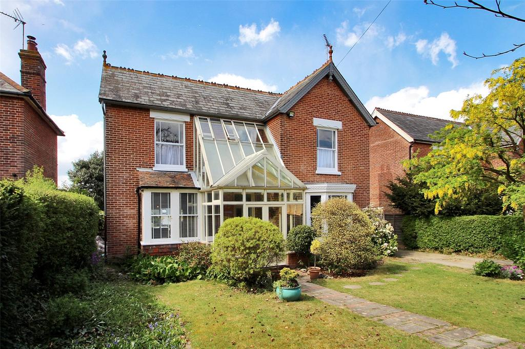 4 Bedrooms Detached House for sale in Eythorne Road, Shepherdswell, Dover, Kent, CT15
