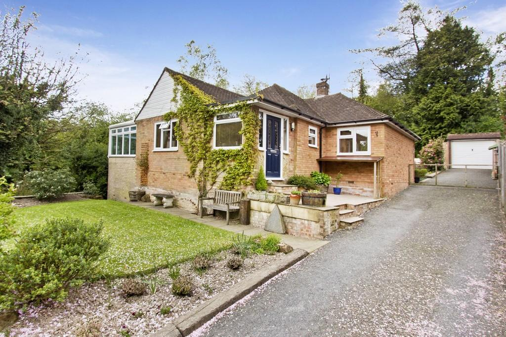 2 Bedrooms Detached Bungalow for sale in Luxford Road, Crowborough