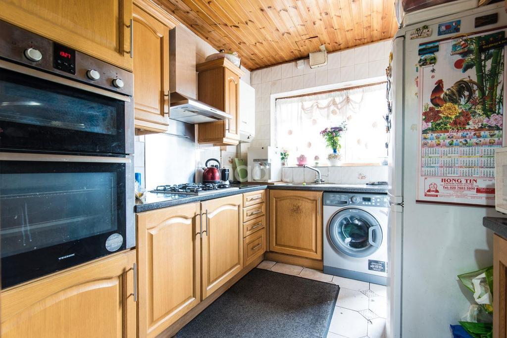3 Bedrooms Semi Detached House for sale in St Dunstans Avenue, Acton