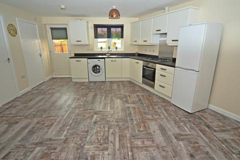 2 bedroom semi-detached house to rent - Thirlmere Way, Kingswood