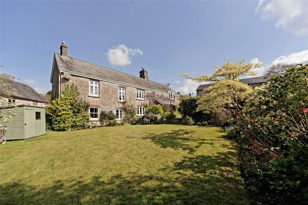 4 Bedrooms Detached House for sale in Dunstone, Yealmpton, PL8