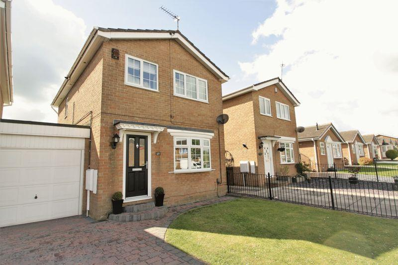 3 Bedrooms Detached House for sale in Surbiton Road, Fairfield, Stockton, TS19 7SH