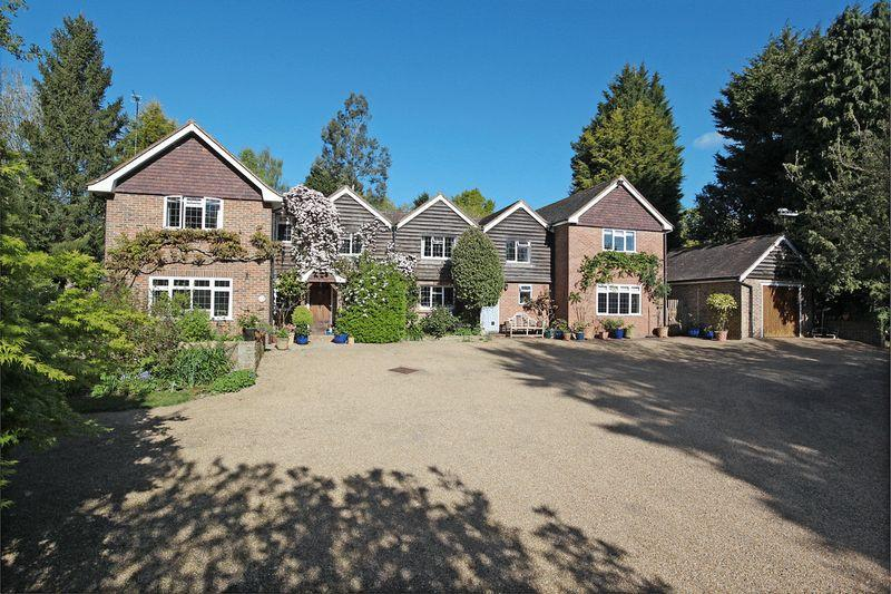 5 Bedrooms Detached House for sale in Horney Common, Nr Uckfield, East Sussex
