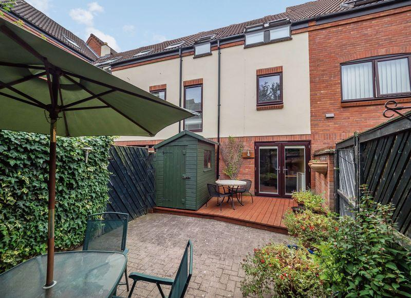 3 Bedrooms Apartment Flat for sale in Mulberry Close, Norwich