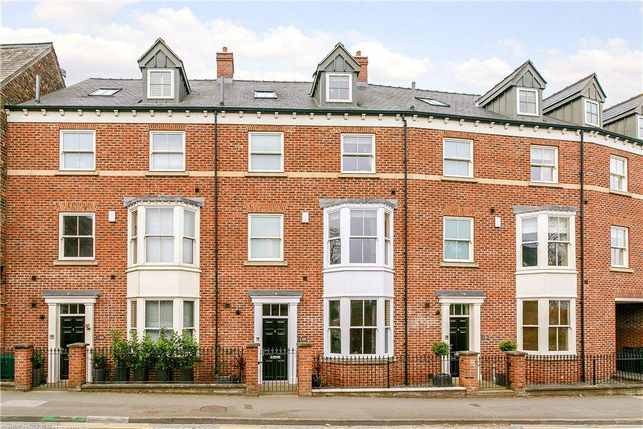 5 Bedrooms Terraced House for sale in Stone Court, Dalton Terrace, York, YO24
