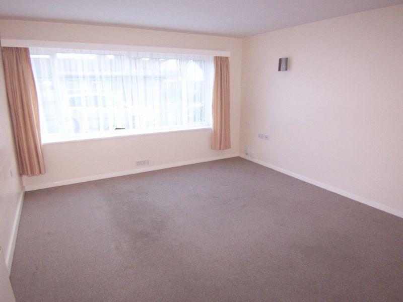 Double Room Flat Ashtead Rent