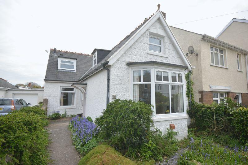 4 Bedrooms Detached Bungalow for sale in 61 Grove Road, Bridgend CF31 3EH