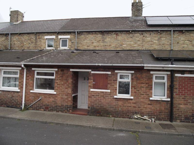 2 Bedrooms Terraced House for sale in Chestnut Street, Ashington - Two Bedroom Terraced House