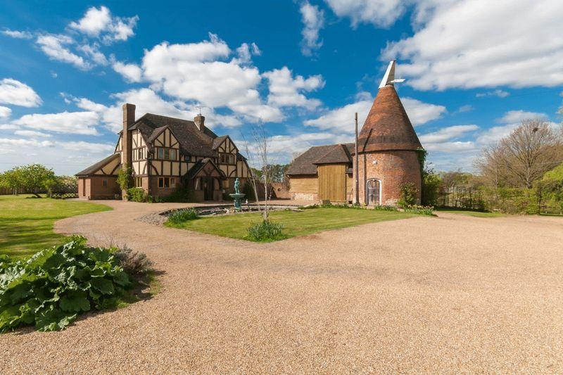 4 Bedrooms Farm House Character Property for sale in Headcorn Road, Smarden